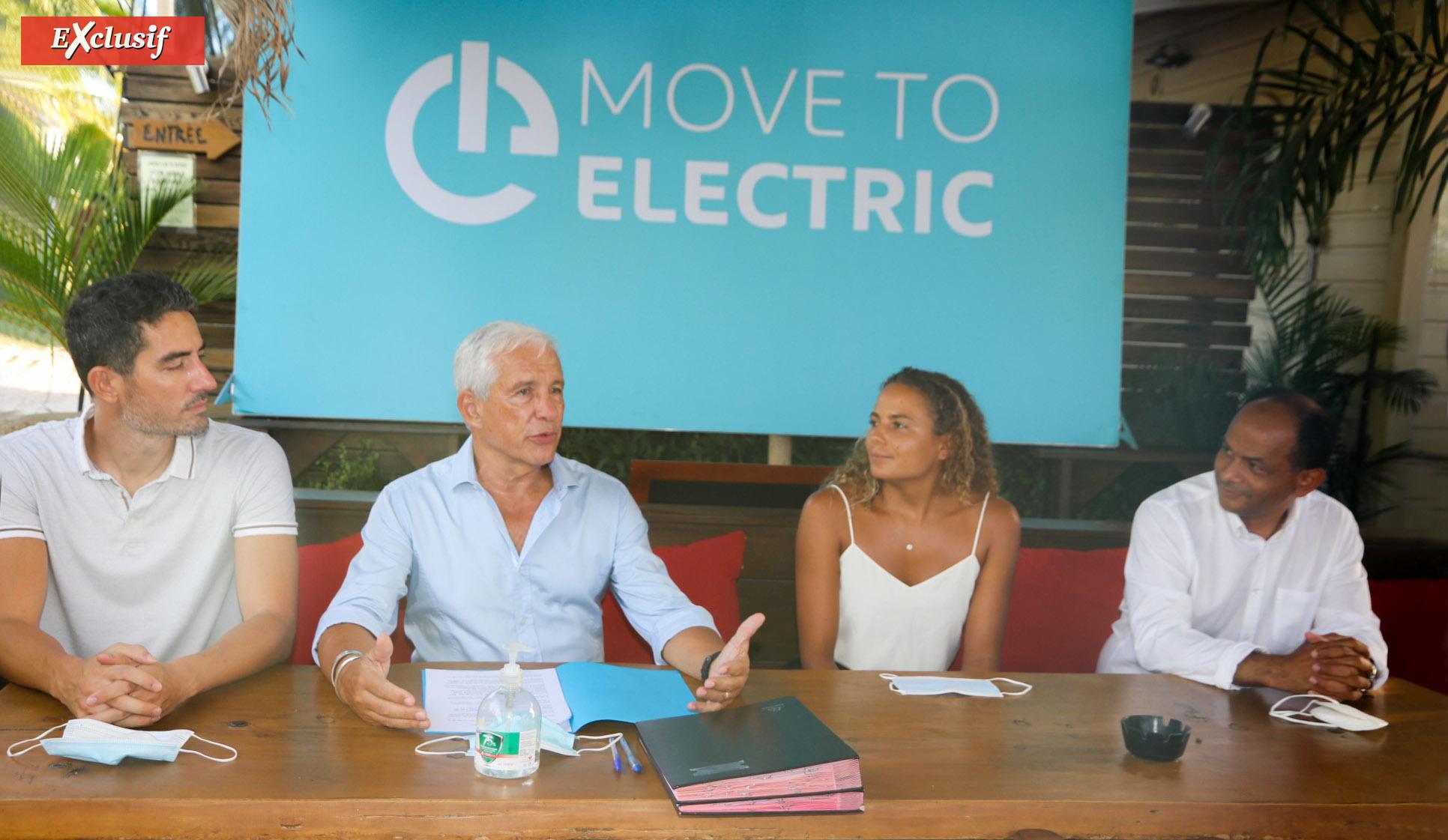 Christophe Caillé, François Caillé, Alice Lemoigne et Emmanuel Séraphin réunis à l'occasion de la signature du partenariat