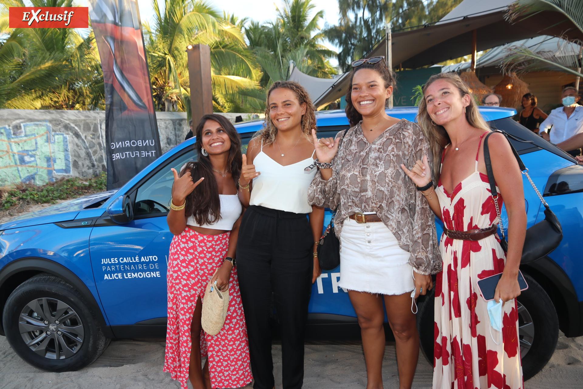 Alice Lemoigne entourée de ses amies: Ninon Legrand, Sarah Rivière, et Julie Sicuteri