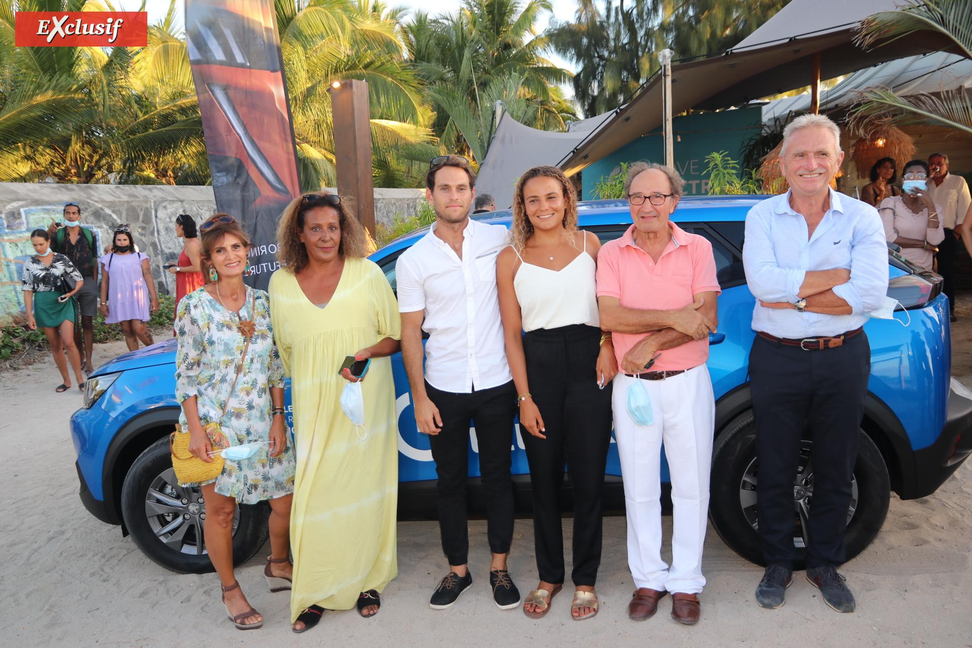Alice Lemoigne avec sa famille: Hélène Lavallée, sa mère Sana Lemoigne, Loic Lavallee, son père Antonio Diletto, et François Lavallée