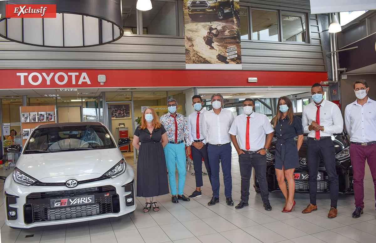Présentation de la voiture avec l'équipe Toyota CFAO Automotiv Réunion
