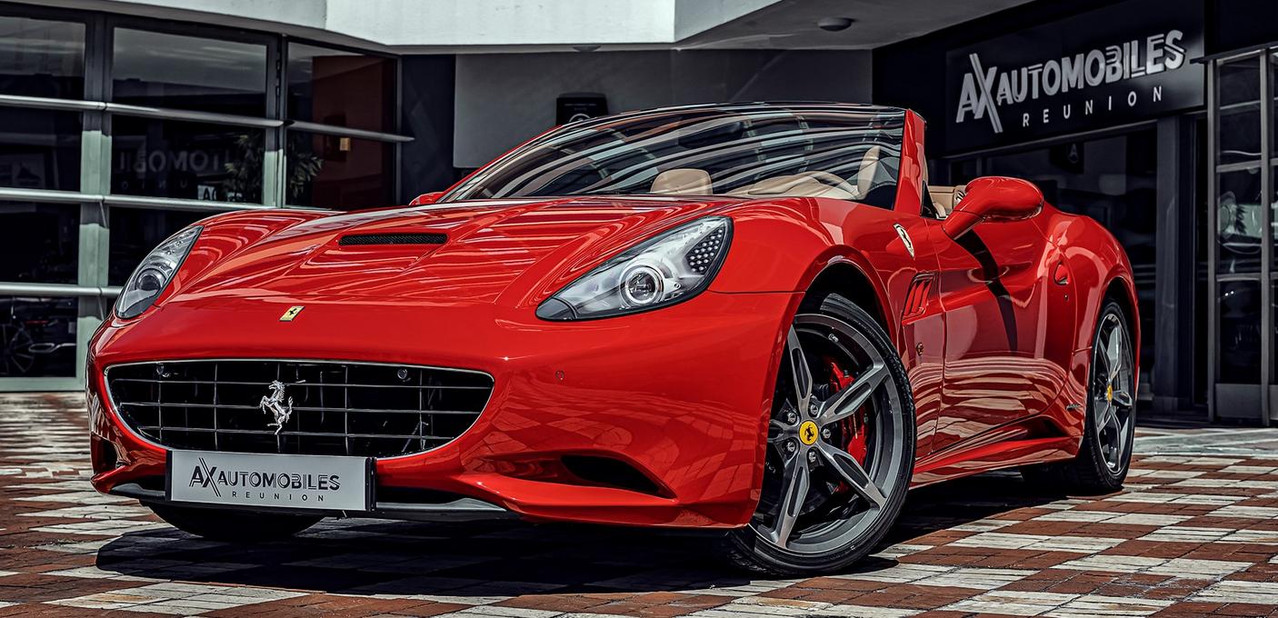 On commence avec une magnifique Ferrari cabriolet... (photo AxAutomobiles)