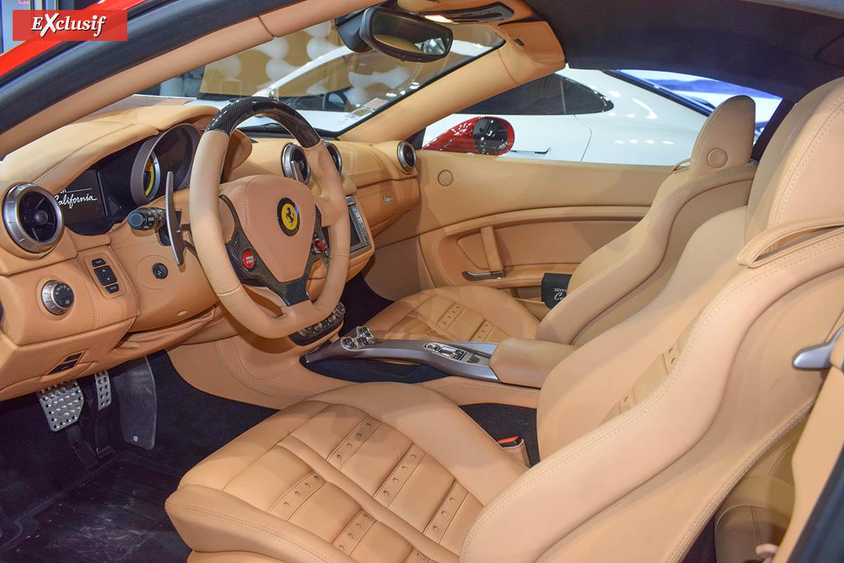 L'intérieur de la Ferrari