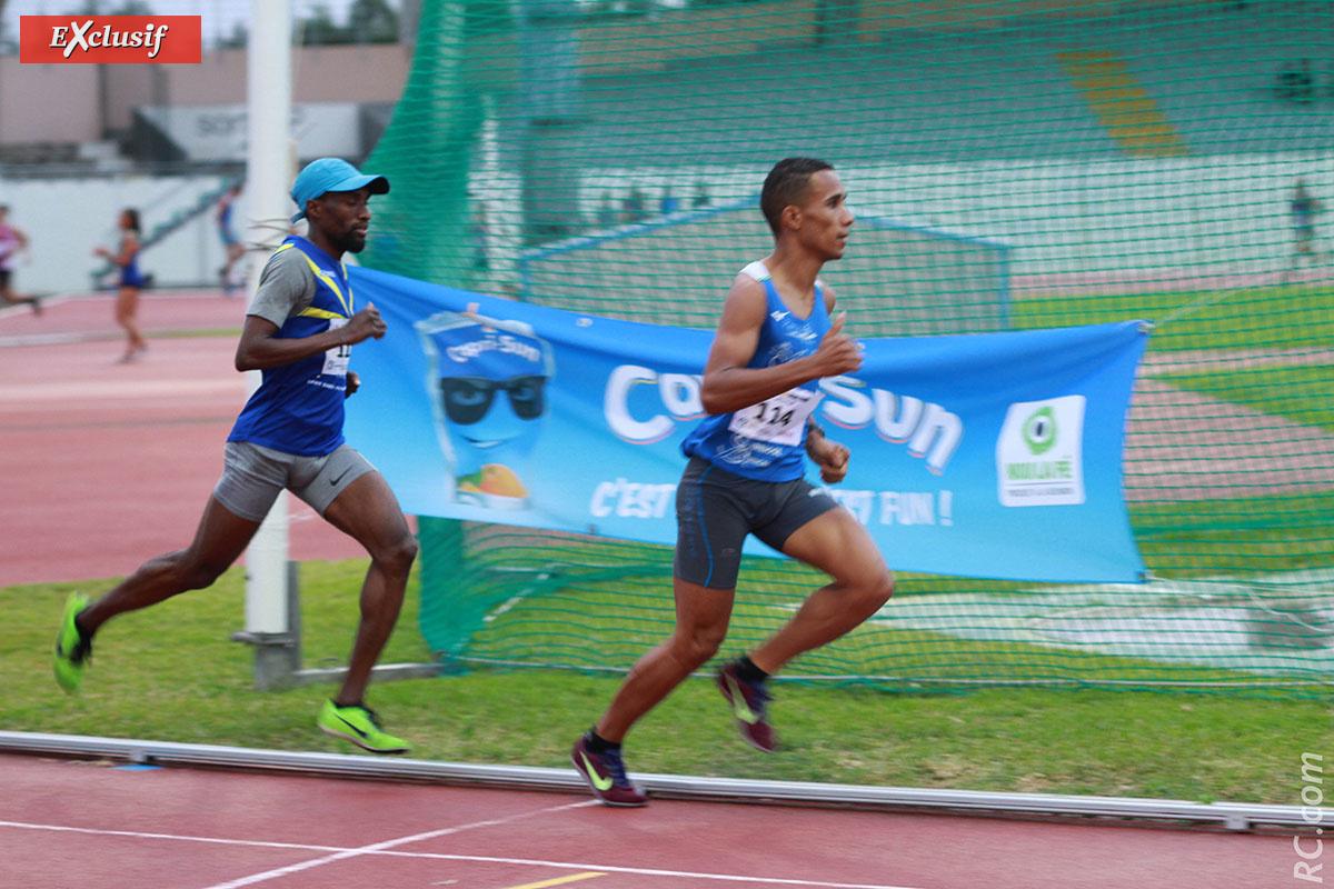 Ruddy Barret mène la course du 1500 devant Abdoul-Had Attoumane, le futur vainqueur