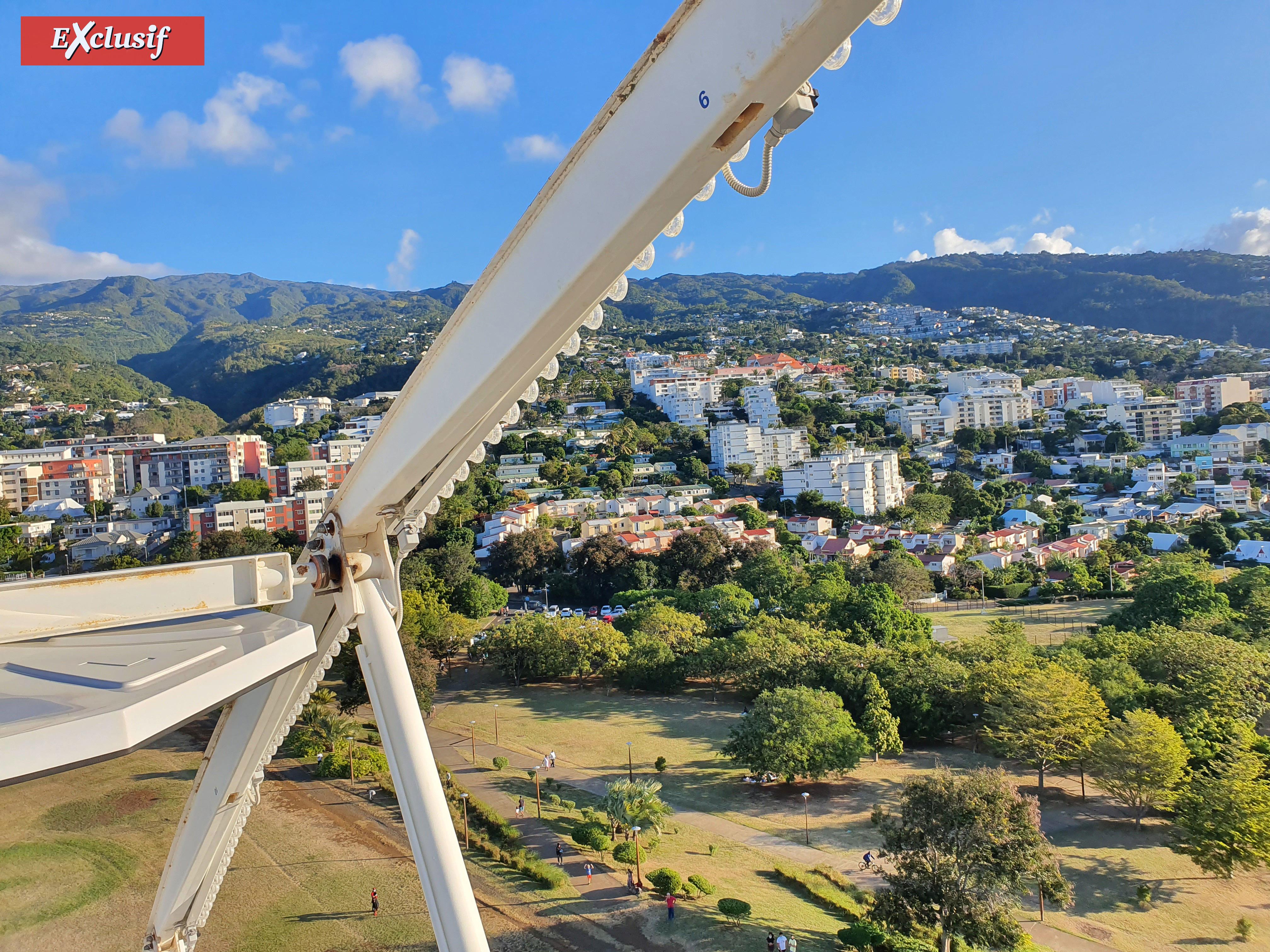 La Grande Roue au Parc de la Trinité à Saint-Denis: photos