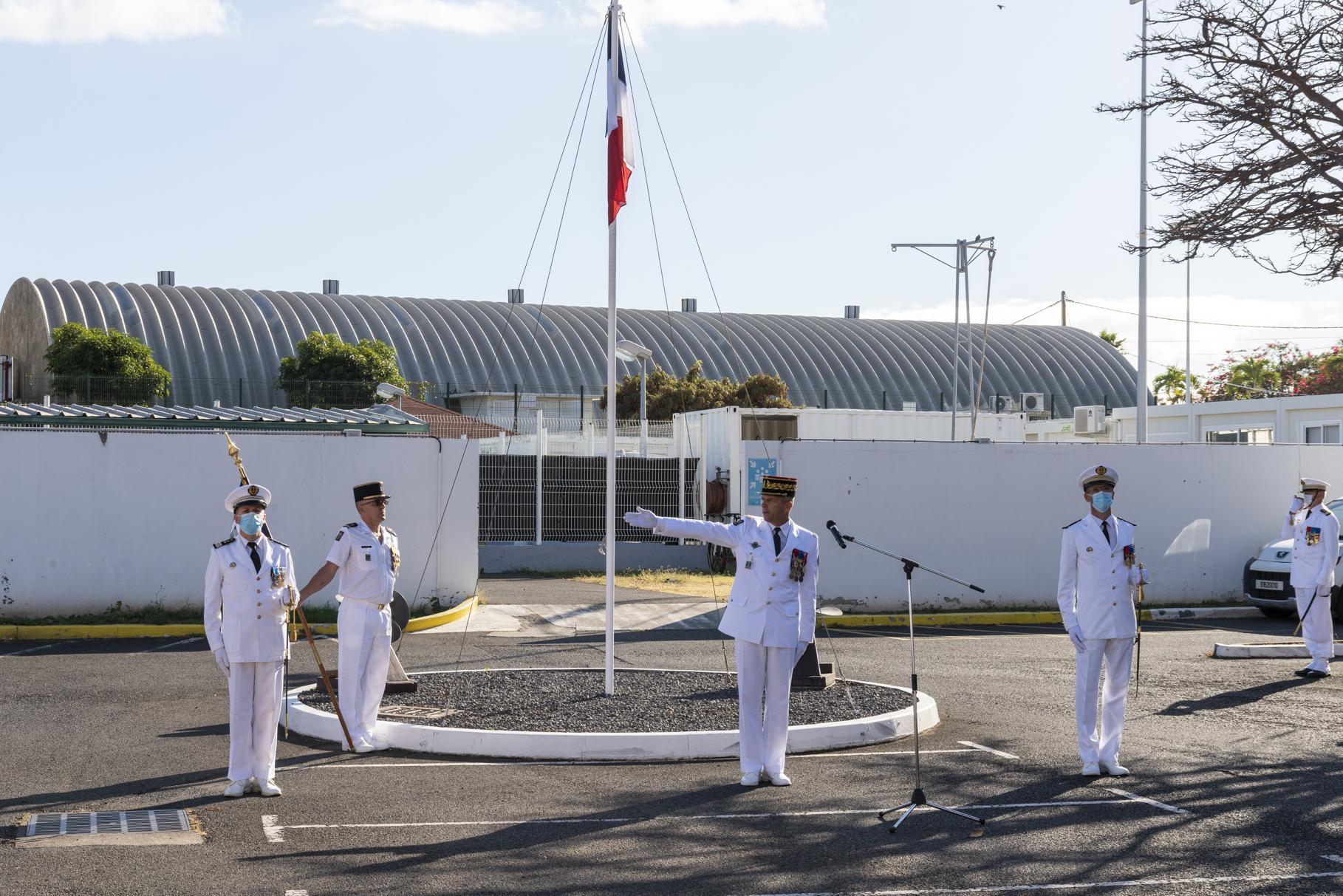 Des passations présidées par le général Yves Métayer avant son départ définitif pour Paris
