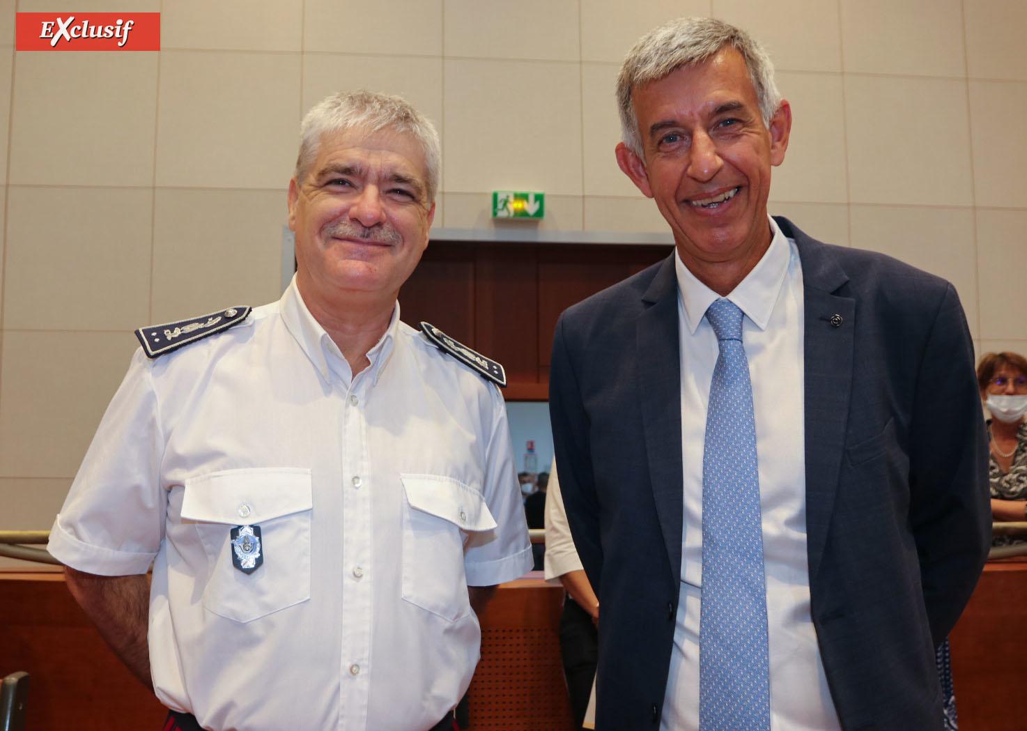 Patrice Vernet, directeur régional des Douanes, et Alain Chateauneuf, premier président de la cour d'Appel de Saint-Denis