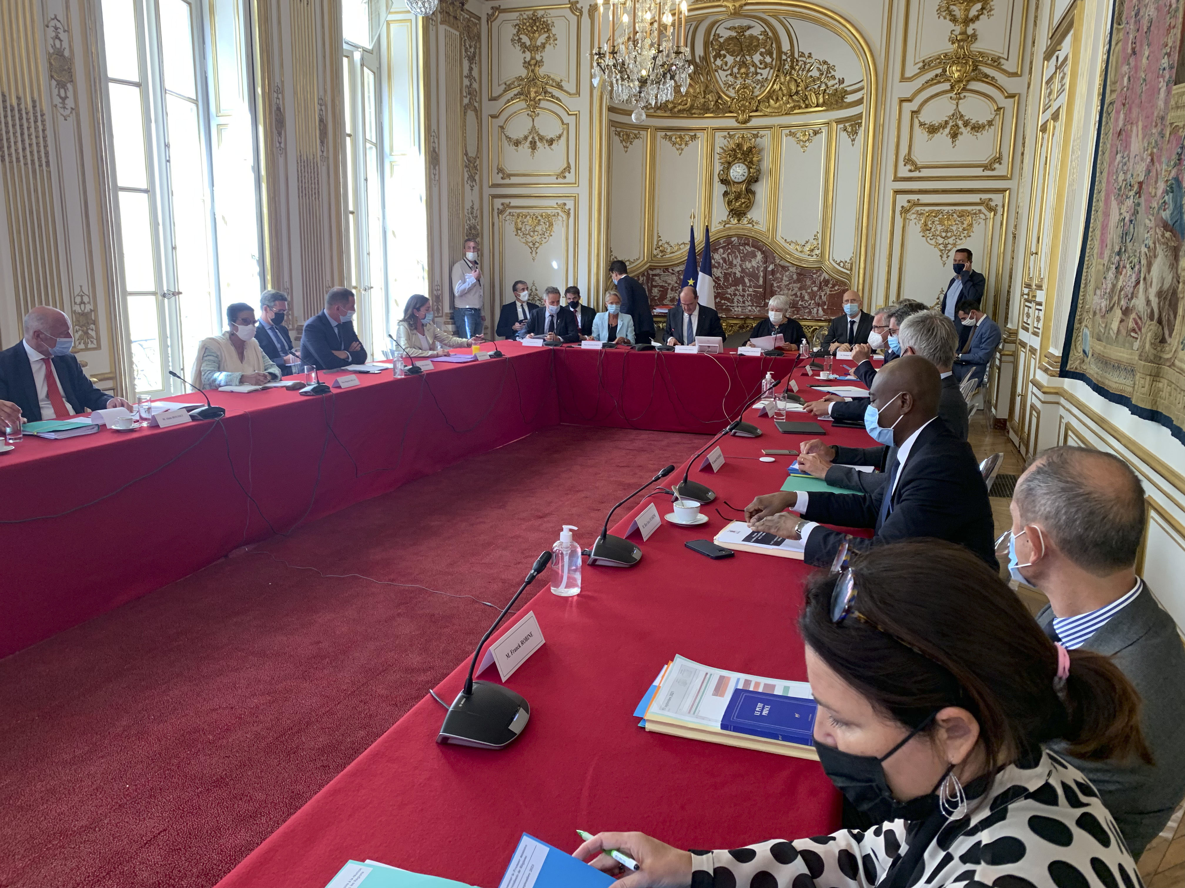 Réunion à Matignon pour les président.e.s de Région de métropole et d'outre-mer