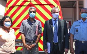 Vaccination contre la Covid-19: les pompiers premiers de cordée