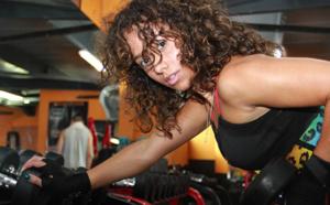 Clara Roland: accro de fitness, la chanteuse fête ses 21 ans... ce mardi 23 mars!